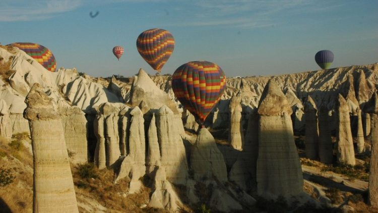 Tour Desde Estambul a Capadocia en 2 Dias
